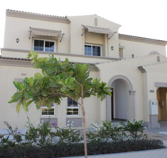 Modern Five Bedroom Villa in the Exclusive Royal Greens (Al-Murooj) Community