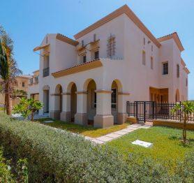 Luxury Villa Near a Golf Course In Al Murroj